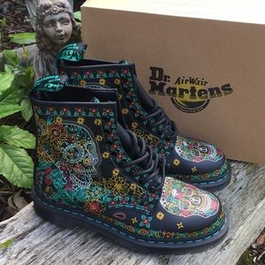 NEW Dr Martens 1460 Skull Day of the Dead